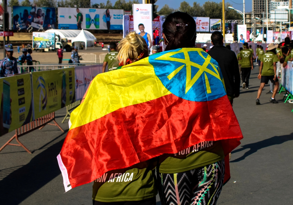 run-africa-addis-ababa-ethiopia-altitude-training-great-ethiopian-run-flag-joy