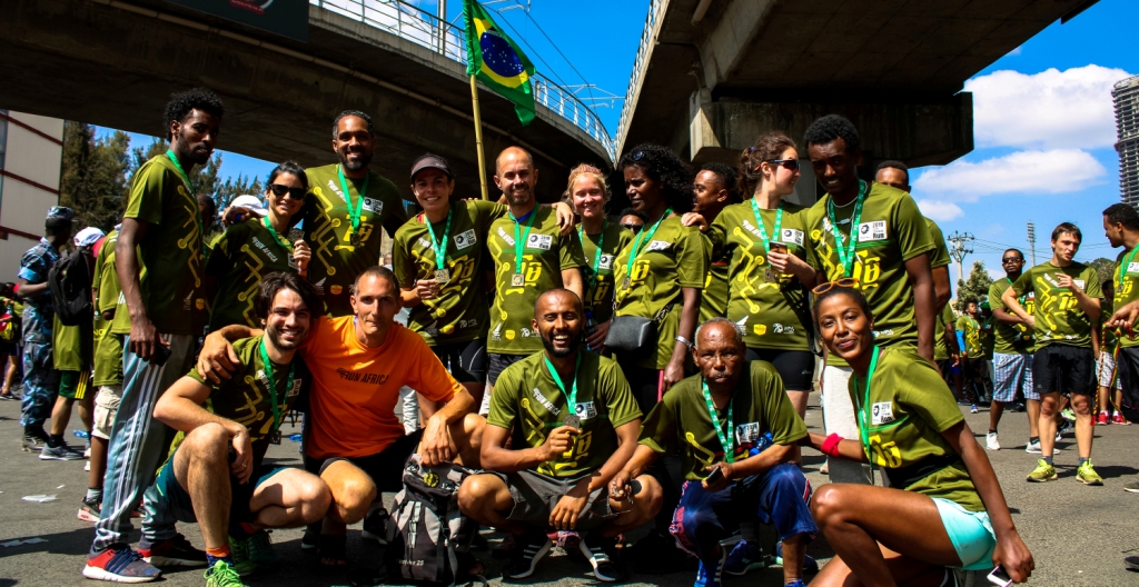 run-africa-addis-ababa-ethiopia-altitude-training-great-ethiopian-run-group-finish-line